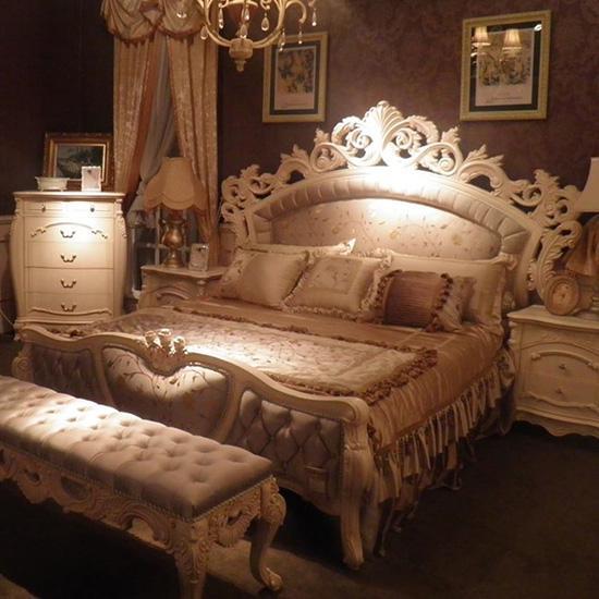 金色欧式床头实物