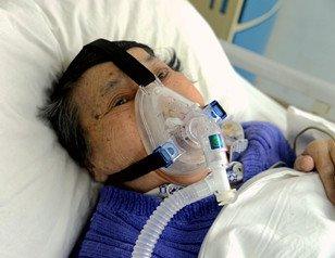 婆婆被抢救36次 家人感恩守护医生6年