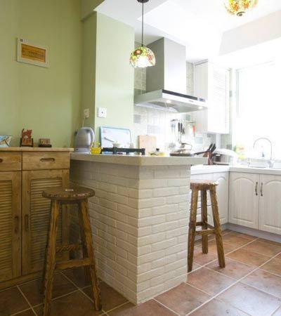 55平米小户型装修效果图:放大一下吧台,下面就是普通的砖头刷上白漆的