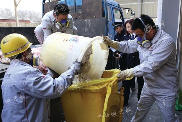 部督制毒案774公斤麻黄碱销毁 12名嫌犯全部到案