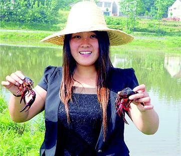 襄阳85后美女v美女小龙虾一年收入超300万美女图片科尔沁图片
