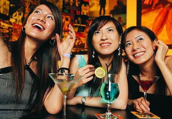 去酒吧应该怎么喝 6种时尚洋酒洋喝法