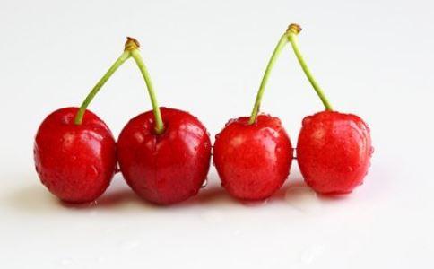 上班族防輻射 多吃櫻桃和海帶