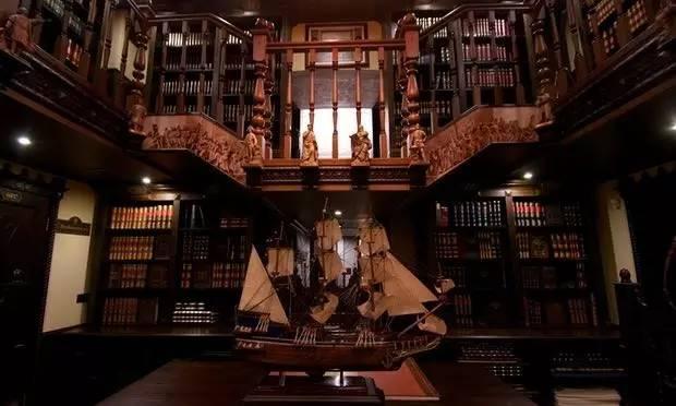 俄罗斯开了家世界上最贵的图书馆 门票要800块钱