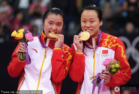 奥运羽球首位单届双冠王 赵芸蕾超越葛菲高崚