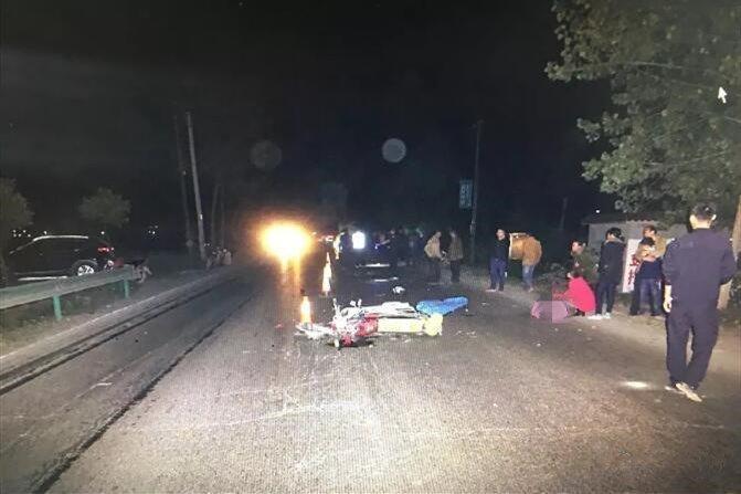 潜江发生一起惨烈交通事故 致1人死亡