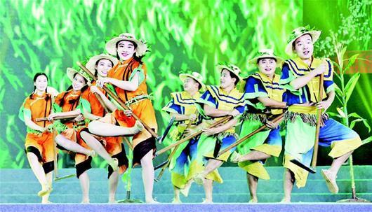 《薅草山歌》上中国农民春晚 赢得观众阵阵掌声
