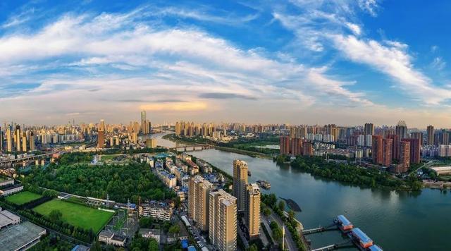 手绘城市系列武汉