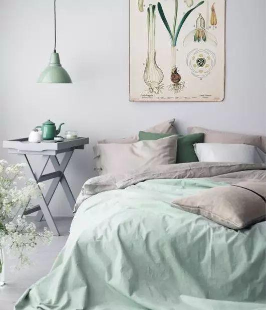 如何选择一个适合我们床头柜?