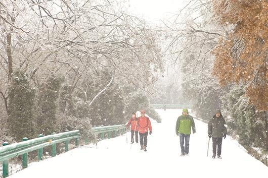 湖北多地降雪 今晚鄂西北等地将再降中到大雪