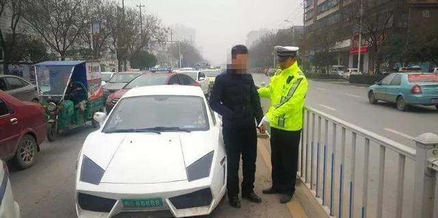 荆州一车牌号66888豪车被交警查获 真相让人笑了