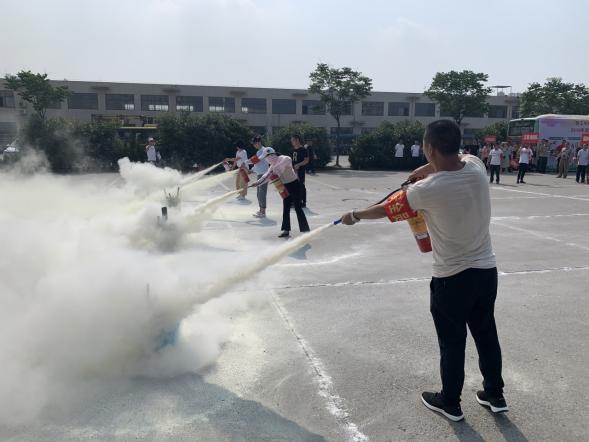 潜江楚道公交公司开展消防安全应急演练活动