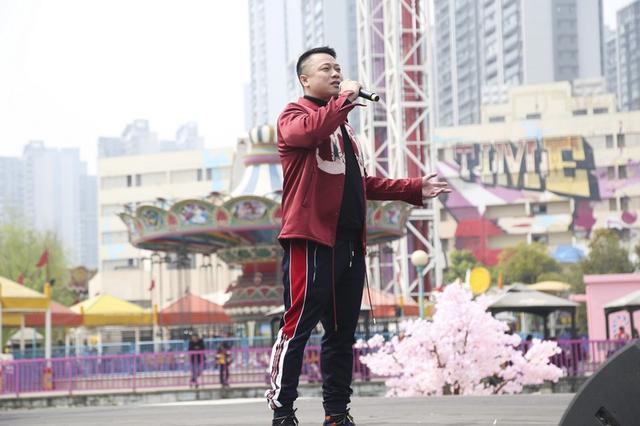 欢乐谷国漫天籁音乐会唱响国风经典 万名游客穿汉服赏花