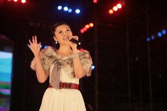 刘飞儿献唱 精彩音乐汇 引爆观众童年情怀