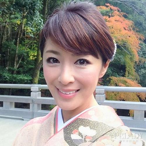 42岁辣妈三代同堂似姐妹 日本美魔女惊人保养