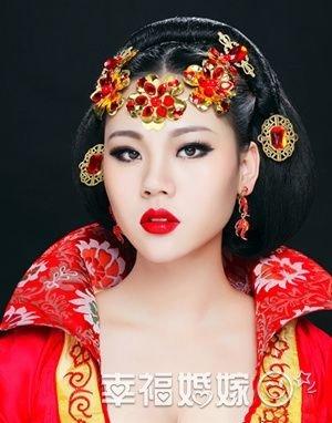 古装造型高贵奢华新娘妆图片