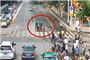 襄阳一男子骑电动车闯红灯被拦 竟拖行交警百米