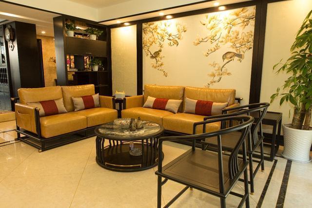 130㎡新中式,皮沙发装到中式里!图片