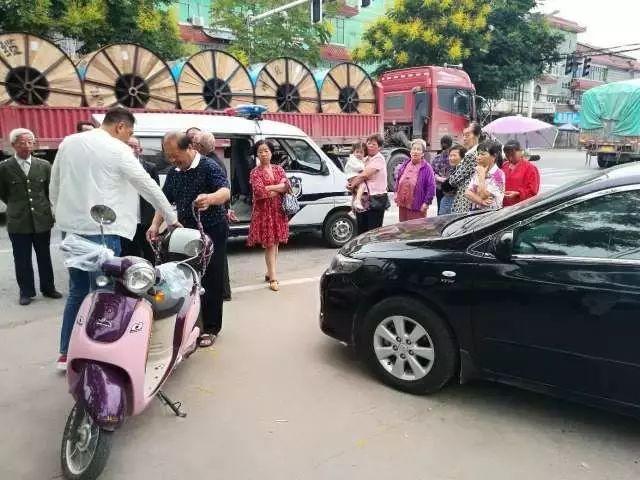 男子光天化日抢小轿车 洪湖警方7小时神速破案