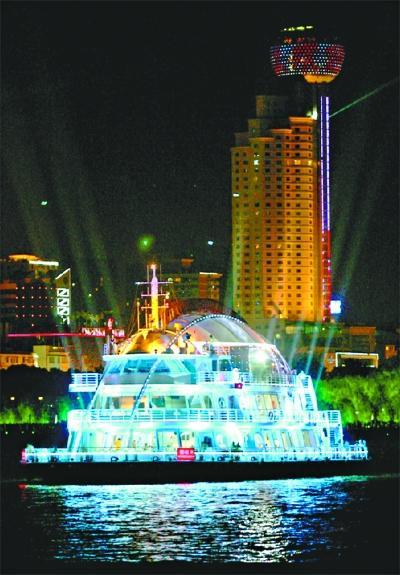 长江主轴可向游艇经济发力 市民建议改造多个码头
