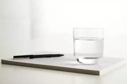 感覺牙黃牙疼?有可能是你喝的水有問題