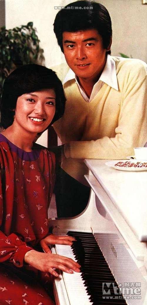 三浦友和出自传 揭秘与山口百惠三十年美满婚姻图片