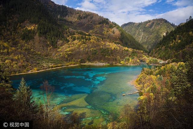 """""""童话世界""""九寨沟坚强面对自然挑战 旅游界在行动"""