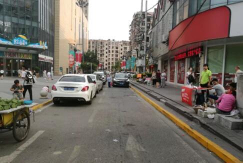下周一起 在荆州这条路违停将被罚款扣分!