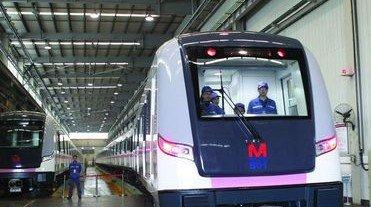 武汉地铁7号线顺利横穿长江