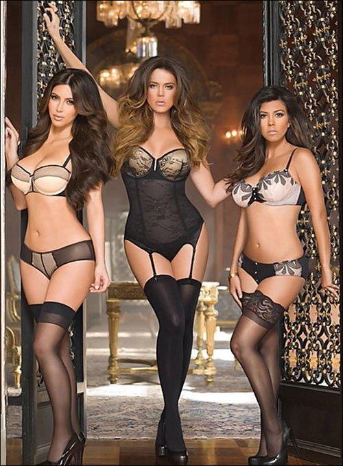 金卡戴珊姐妹花代言自家内衣 广告大秀迷人身材