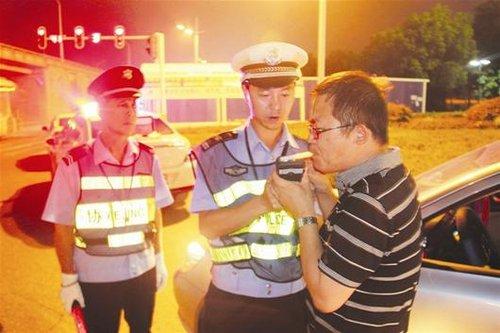 我省将修订道路安全法 酒驾拟扣证六个月罚2000