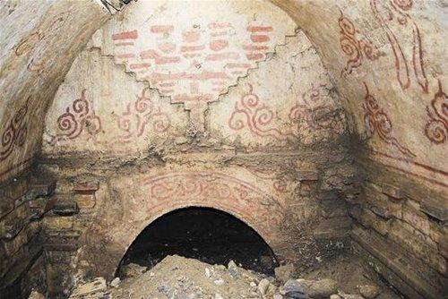 图文 襄阳谷城发现宋代古墓 砖雕壁画保存完好