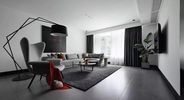 1,灰色地砖的基础,搭配上原木质感的空间,自然而又简约舒适