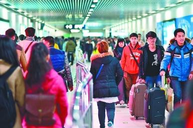 高校近期开始放寒假 光谷地铁站或限制客流