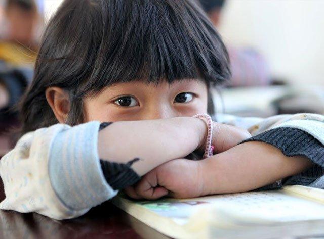 93个彝族孩子过年梦