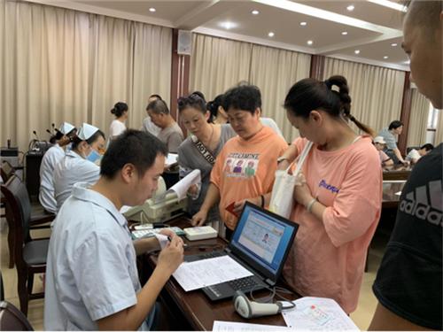 荆州市联合街办组织开展义务献血活动