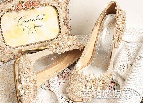 不可不看的新娘婚鞋挑选法则
