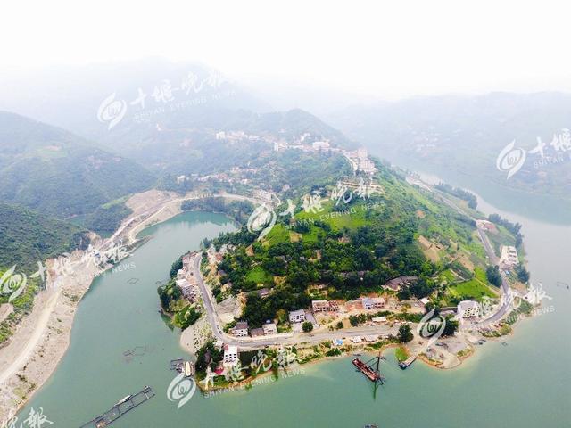 十竹公路预计10月通车 全线共设桥梁14座(图)
