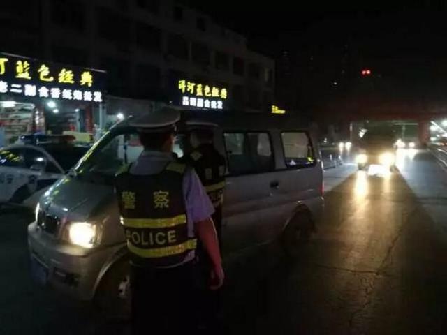 黄梅一出租车司机心存侥幸 酒驾被拘丢了饭碗