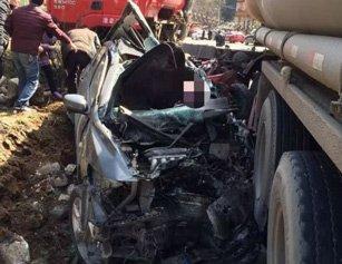 湖北一路段发生惨烈车祸 致2死5伤