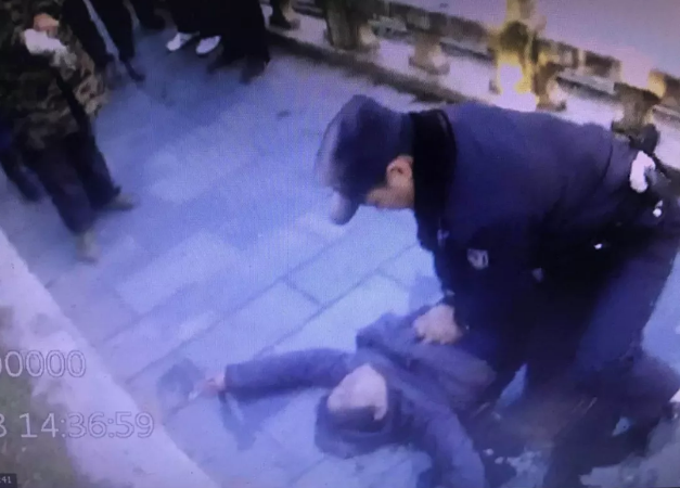 仙桃一女子跳河轻生 民警迅速救援挽回性命