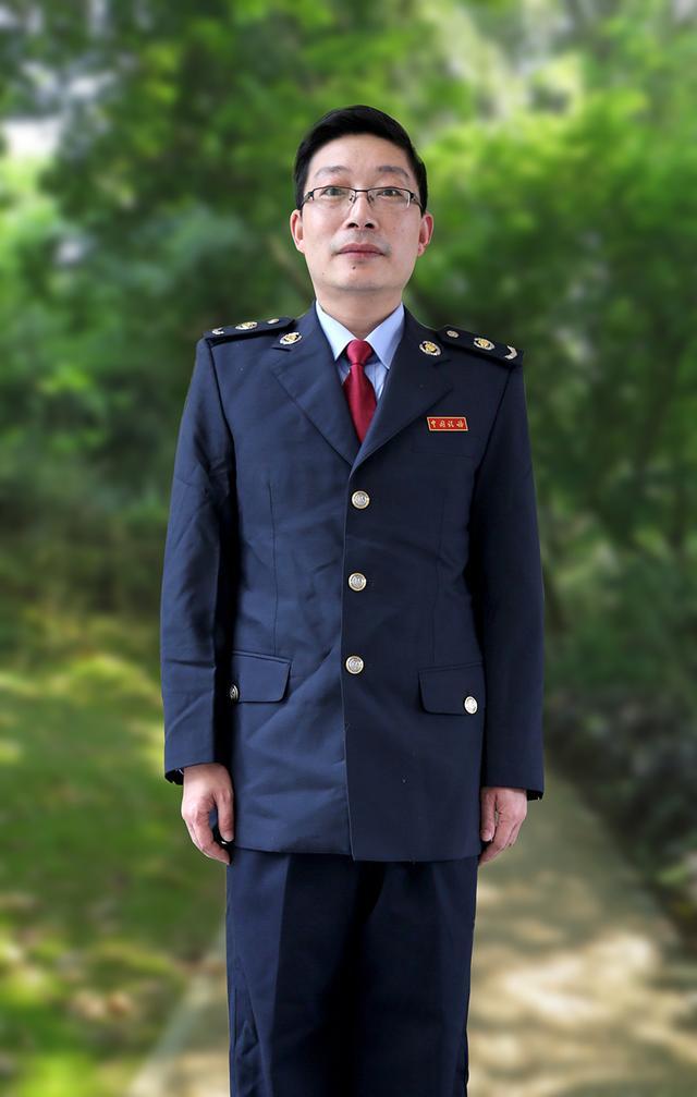 """""""税月""""因耕耘而耀眼 税政咨询""""百事通""""黄亚黎"""