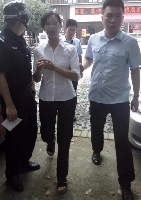 仙桃出动近200名干警 将一批老赖强制拘留(图)