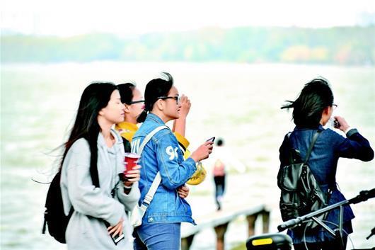 下半年首个寒潮抵达我省 武汉24小时已降6℃