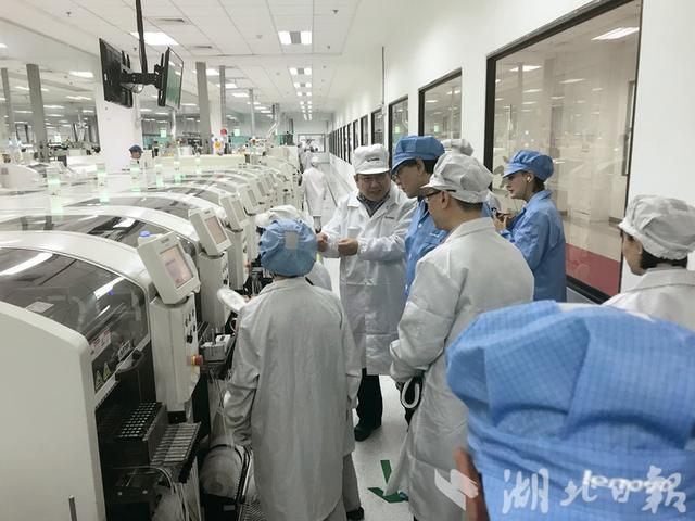 联想武汉基地3年产值破千亿!杨元庆透露AI领域布局