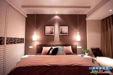房子装修效果图:我们的卧室很小,装下衣柜,床再挤个床头柜就差不多了.图片