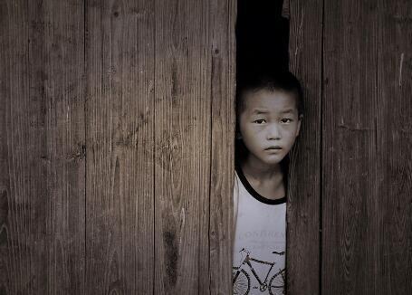 留守儿童成校园暴力施暴者和犯罪易感群体