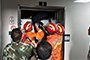 医院电梯故障致9人被困 消防官兵紧急救援脱险
