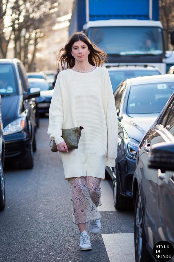 宽大的毛衣裙搭配大长裙的方法,瘦高美可以大胆尝试起来。