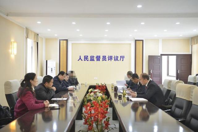 潜江检察院邀请人民监督员公开审查两起交通肇事案件